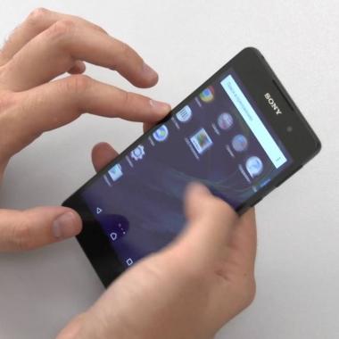 Не выключается смартфон экран что делать. Почему не гаснет экран телефона при разговоре